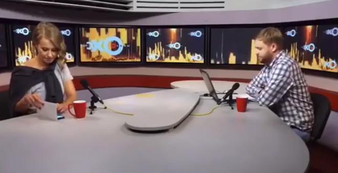ചാനല് ചര്ച്ചയ്ക്കിടെ സാംസങ്   ബ്രാന്ഡ് അംബാസിഡര് ഉപയോഗിച്ചത് ' ആപ്പിള് ഐ ഫോണ്' ;  12 കോടി  പിഴ ആവശ്യപ്പെട്ട് സാംസങ്